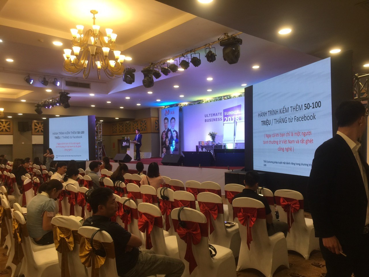 Cho thuê màn hình led phục vụ hội nghị - hội thảo